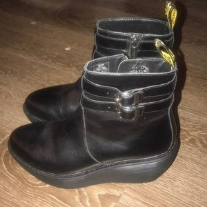 Dr. MArtens Caitlin Boot Size US 8